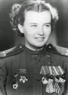 Lydia Litvak, llamada La Rosa Blanca de Stalingrado