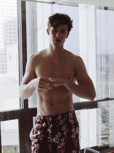 Shawn Mendes uploaded by Fatima Reyes on We Heart It