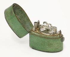 Silver and shagreen travelling inkwell and dip pen set, 18th century, French school