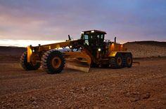 http://www.pinterest.com/itogermany/baumaschinenauktion/ Bilder Images gallery #Kubota #heavyequipment #Machinerytrader #sales #construction #baumaschinen #auction #auktion #versteigerung #volvo #grader used Heavy Equipment for sale HevayCE  Caterpillar - Construction Equipment/Caterpillar - Entreprenad