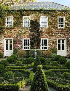 Garden at George Mathews House - Charleston