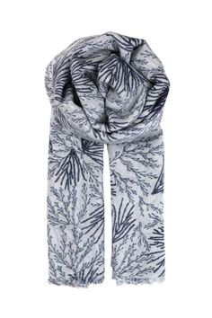 This handprinted scarf boasts a soft lightweight wool/silk blend making it your stylish year-round companion. Wear it indoor as a shawl. Wear it outdoor as a stunning accessory that will elevate any outfit. Wear it as a beach wrap on holidays.  Dimensions : 110 cm x 200 cm  Roan Navy Scarf by Becksondergaard. Accessories - Scarves & Wraps Toronto Canada