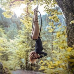 Pole Dance Workouts for Beginners – Pole Dance and Pole Fitness Routines Suitable For All Ages Lyra Aerial, Aerial Hammock, Aerial Acrobatics, Aerial Dance, Aerial Hoop, Aerial Arts, Aerial Silks, Pole Dance, Aerial Gymnastics