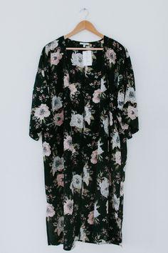 Believing In Me Kimono - Black