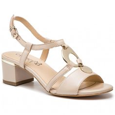 65cf4ae2e0 A(z) cipő nevű tábla 56 legjobb képe   Converse, Converse shoes és ...