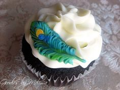 12 fondant peacock feathers or animal of by GoodiesByMelissa, $11.50
