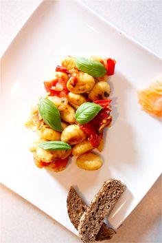 Gnocchis confit de tomates au basilic frais