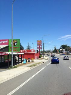 """See 43 photos and 5 tips from 559 visitors to Gympie. """"Even my Galaxy on Telstra network struggles in Gympie. Four Square, Live, Places, Lugares"""
