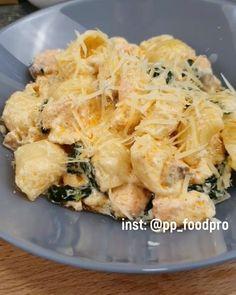Italian Pasta Recipes, Pasta Sauce Recipes, Pasta Bar, Seafood Pasta, Good Food, Yummy Food, Bulgarian Recipes, Cooking Recipes, Healthy Recipes