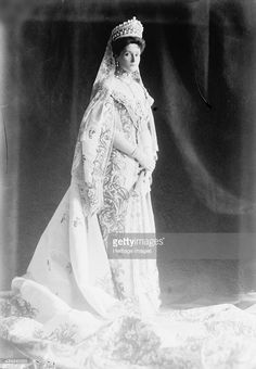 Tsarina Alexandra of Russia, early 20th century. A granddaughter of Queen Victoria, Princess Alix of Hesse (1872-1918) married Tsar Nicholas II in November 1894. She, her husband and their children were murdered by Bolsheviks at Yekaterinburg in 1918. Fou