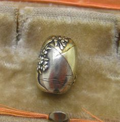Antique 19th Century Japanese mixed metal silver gold Ojime Bead # 1 Netsuke 10K Gold 16MM BY 11MM ..WEIGHS 4.1 GRAMS Sold 5/25/16 eBay $760.00
