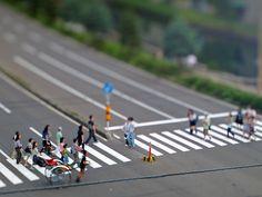 本城直季 - Google 検索 Tilt Shift Photos, Tilt Shift Lens, Tilt Shift Photography, People Art, Small World, Miniatures, Film, Google, Image