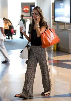 Printed palazzo pants airport outfit the fashion co rainy day outfit outfit i Travel Outfit Summer, Summer Outfits, Travel Outfits, Summer Travel, Casual Chic, Fashion Style Summer, Blazer En Tweed, Airport Chic, Summer Airport Style