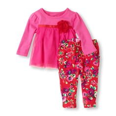 A bright, colorful outfit with the perfect floral touch!#bigbabybasketsweeps