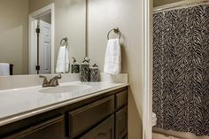 Upstairs Bathroom - Staged by Home Staging Services of North Tx - Vickie Harvey