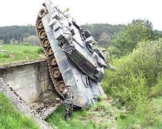 An army tank smashes into a ditch. A military vehicle accident, war vehicle crash picture and an armed services mishap to see or not. Military Jokes, Army Humor, Army Memes, Military Gear, Humor Militar, Demotivational Posters, Panzer, Military Vehicles, Funny Jokes