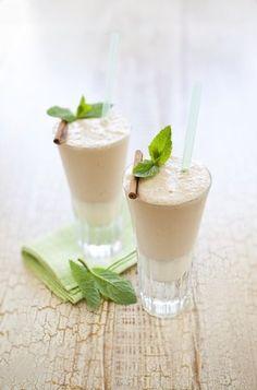 Kefírovo kokosový koktejl Kefir, Food 52, Panna Cotta, Food And Drink, Pudding, Smoothie, Drinks, Cooking, Ethnic Recipes