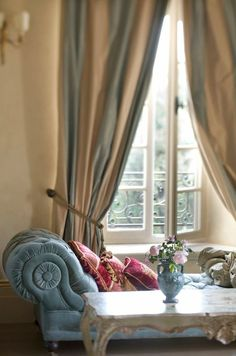 Soft blue velvet chaise makes a beautiful statement in this interior decor. Parisian Apartment, Paris Apartments, French Interior, French Decor, Sweet Home, Interior Decorating, Interior Design, Decoration, French Country