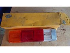 Tradera ᐈ Köp & sälj begagnat & second hand Bude, Two Hands, Suitcase, Auction, Briefcase