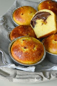 la pancia del lupo: PANINI DOLCI alla NUTELLA Sweet Recipes, Cake Recipes, Delicious Desserts, Yummy Food, Sweet Buns, Nutella Cookies, Cookie Desserts, Sweet Bread, International Recipes