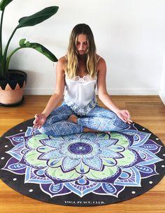 MANDALA ROUND YOGA MAT OCEAN – Yogi Peace Club Yoga At Home, Yin Yoga, Beach Mat, Mandala, Meditation, Outdoor Blanket, Ocean, Peace, Club