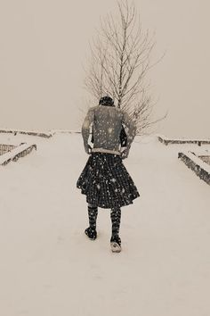 That kilt must be very warm for this kilted PC to be trekking through the snow shirtless.) Either way, he certainly enhances the view. Hello Tuesday, Leather Kilt, Men In Kilts, My Heritage, Men Looks, Outlander, Burlesque, Beautiful Men, Beautiful Pictures