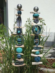 Steelen for the garden - flowers nature ideas - Keramik - Pottery Painting, Pottery Art, Pottery Ideas, Ceramic Pottery, Yard Art, Garden Totems, Pottery Classes, Flowers Nature, Flowers Garden