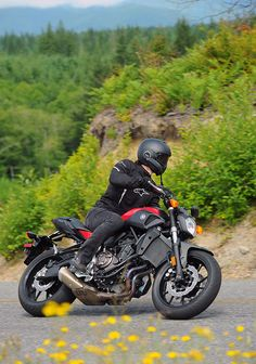 Yamaha brought YD's Troy Turner to Seattle to put the all new 2015 to the test in a mixed landscape of urban riding and wide-open Yamaha Fz 07, Yanko Design, Sport Bikes, Motorcycles, Motorbikes, Sportbikes, Sport Motorcycles, Motorcycle, Choppers