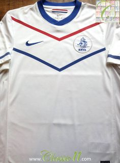 fe0ae4dcd Relive Netherlands  2010 2011 international season with this vintage Nike  away football shirt.