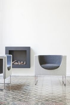 STUA Nube armchairs with the colours in reverse: clear outside, dark inside. Set your creativity free!