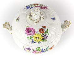 Meissen-Porcelain-Round-Tureen-w-Foliate-scroll-Finial-Hand-painted-florals