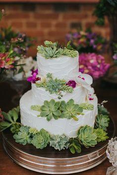 She lived what we sent! Wedding Cake Rustic, Cool Wedding Cakes, Wedding Cake Designs, Bolo Floral, Floral Cake, Bolos Naked Cake, Buttercream Flower Cake, Getting Ready Wedding, Caking It Up