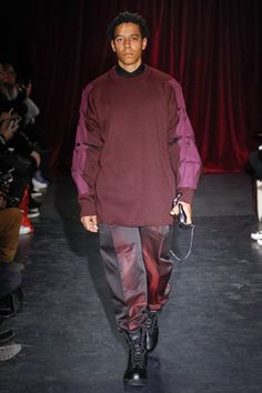 See the complete Y/Project Fall 2017 Menswear collection.