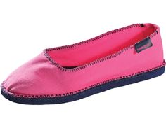 The original flip flop sole with a classic ballerina shape. These shoes are a true winner with a coveted slip-on design. Ugly Shoes, Signature Look, Cute Socks, Preppy Outfits, Ballet Flats, Ballerina, Personal Style, Espadrilles, Slippers