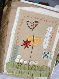Mini Quilt von Rebecca Sower by alissa Free Motion Embroidery, Embroidery Applique, Embroidery Patterns, Machine Embroidery, Fabric Cards, Fabric Postcards, Love Bears All Things, Fabric Journals, Fabric Books