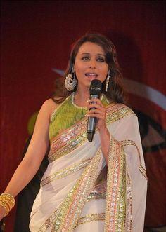 Fashion: Rani Mukherjee in Saree Indian Actress Hot Pics, Indian Bollywood Actress, Bollywood Fashion, Pakistani Outfits, Indian Outfits, Indian Clothes, Bollywood Stars, Beautiful Saree, Beautiful Dresses