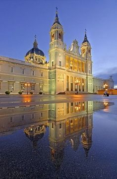 Madrid, Spain - I really prefer exploring southern Europe in winter because of the weather, not cold, not hot, its normal. So this Orthodox Christmas i am going in Spain's capitol with my girlfriend, no boring tourists on vocation, just us travelers. If you plan to go that period, text me :)