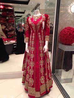 new fashion design and style for girls dressing . Pakistani Wedding Dresses, Pakistani Outfits, Indian Dresses, Indian Outfits, Indian Designer Outfits, Designer Dresses, Bridal Outfits, Bridal Dresses, Indian Attire