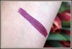 "Review   Charlotte Tilbury - Matte Revolution Lipstick ""Glastonberry"""