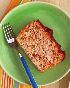 Emeril's Meatloaf with Oatmeal :: If your family loves meatloaf as much as Emeril's, get them into the kitchen to help assemble this simple, winning meatloaf recipe with oatmeal. Whip up some mashed potatoes and a vegetable, such as green peas or steamed carrots, and you've got a well-rounded meal.