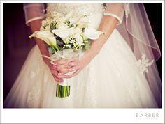 wedding flowers lilies.  So pretty <3
