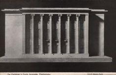 1939 , Tak miał wyglądać teatr wg. projektu z lat trzydziestych ubiegłego wieku. Prace rozpoczęto. Po wojnie w części na jego fundamentach zbudowano już obecny. Elewacja główna.