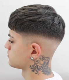 50 Elegant Taper Fade Haircuts: For Clean-Cut Gents Fine Taper Fade with Banged Front – The French crop almost always features a fade on the sides. And it almost always has an edgy, hipsterish feel when you add tattoos or piercings! Fade Haircut Styles, Crop Haircut, Taper Fade Haircut, Hair And Beard Styles, Haircut Men, Mens Taper Fade, Low Taper Fade, Low Fade, Haircut Short