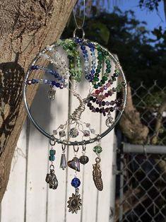 SunCatcher or family tree of life pendant or suncatcher image 3 Dream Catcher Patterns, Glass Beads, Glass Vase, Wire Trees, Tree Of Life Pendant, Dreamcatchers, Beads And Wire, Suncatchers, Stones And Crystals
