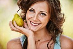 Nejlepší a nejhorší potraviny pro vaše zuby. Které jíte častěji? Cucumber, Pear, Food And Drink, Fruit, Health, Tips, Dekoration, Zucchini, Bulb