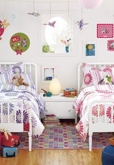 Daisy and Stripe Bedding in Pink or Purple
