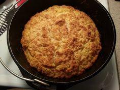 Knoflook Bierbrood uit de Dutch Oven! 3 cups Zelfrijzend-bakmeel 1 tot 4 el suiker, naar smaak 4 el gesmolten boter 250 ml Bier Knoflook (fijngesneden of poeder) naar smaak Gesmolten boter over deeg in DO Bakken op 180 graden C voor 40-50 minuten of totdat een prikker er droog en schoon uitkomt. Na 5 min. brood uit DutchOven, afkoelen op een rooster, dan pas snijden. Luchtdicht bewaren bij kamertemperatuur.
