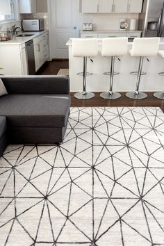 Craft a modern living area using our Lattice Trellis Collection! Modern Rugs, Modern Living, Trellis Rug, Decor Diy, Home Decoration, Diy Décoration, Buy Rugs, Contemporary Style, Living Area
