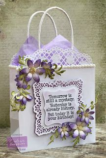 Gift bag made using Crafter's Companion Downton Abbey Ornate Square Die… Gift Baskets For Women, Holiday Gift Baskets, Birthday Gift Bags, Handmade Birthday Cards, Homemade Gift Bags, Paper Bag Crafts, Paper Bags, Decorated Gift Bags, Paper Shoes