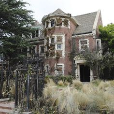 the murder house! - american horror story This was the start of a tragic relationship. I'm hooked!!